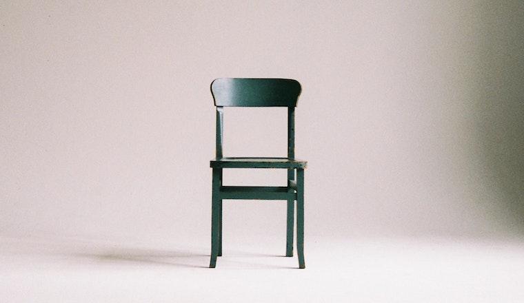 Jak natřít dřevěný nábytek
