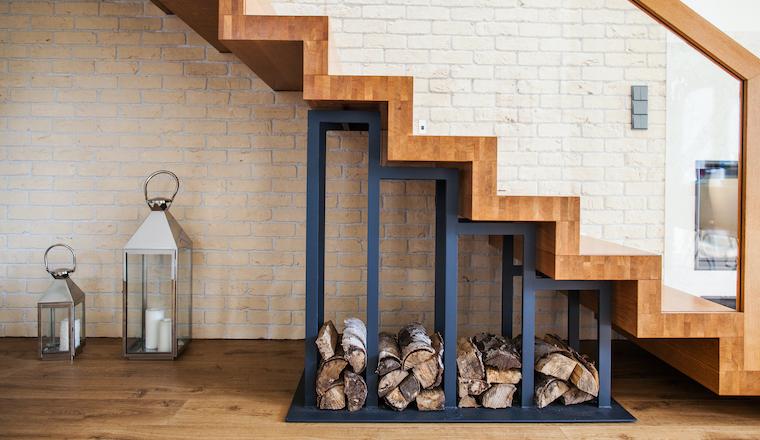 Dřevěné schody zútulní každou domácnost