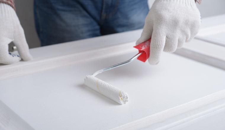 Jak natřít dřevěné dveře